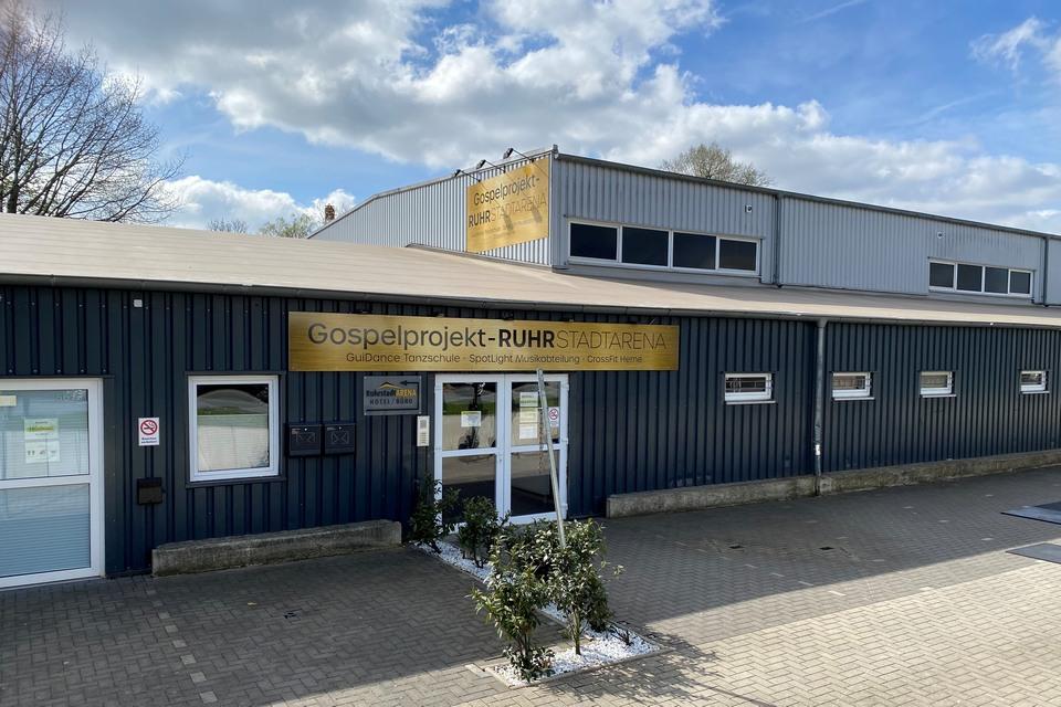 GuiDance Herne Tanzschule Gospelprojekt Ruhr Stadtarena Gebäudeeingang